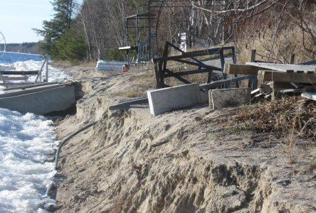 Le haut du lac subit également des dommages
