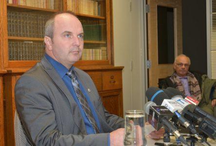 Le maire de Roberval Guy Larouche fait son mea culpa