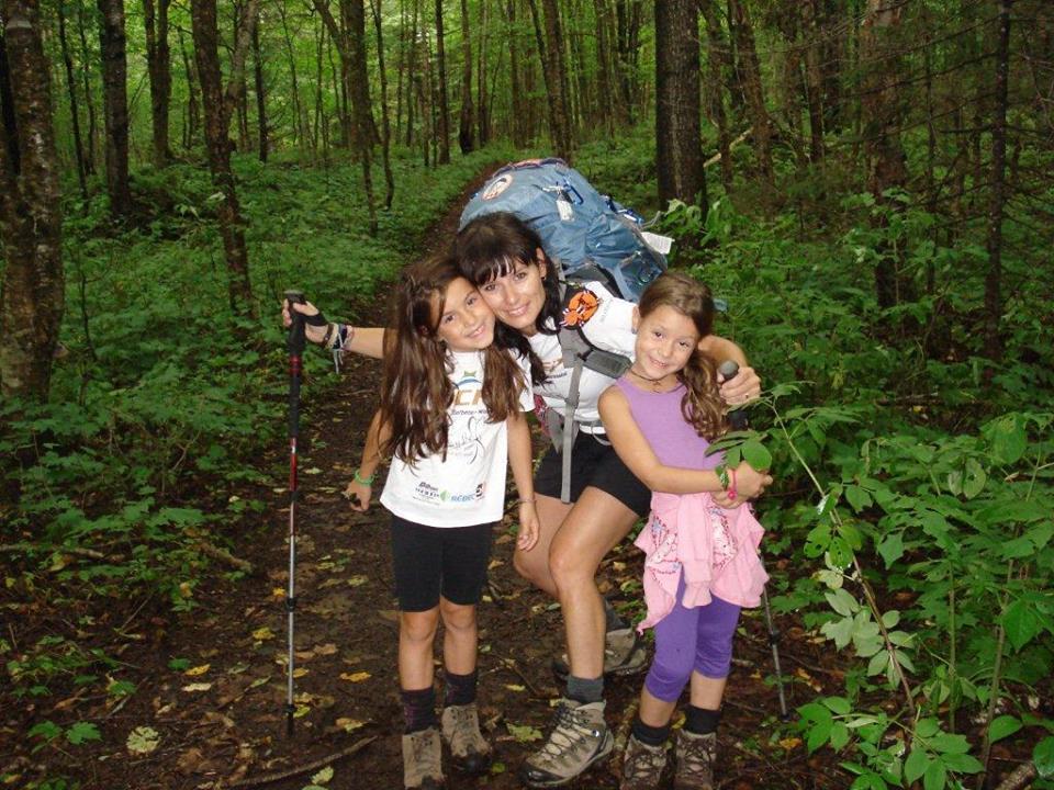 Cindy fortin et ses filles marchent 200 km pour une bonne cause