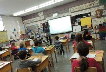 Bolduc confirme la fusion des commissions scolaires