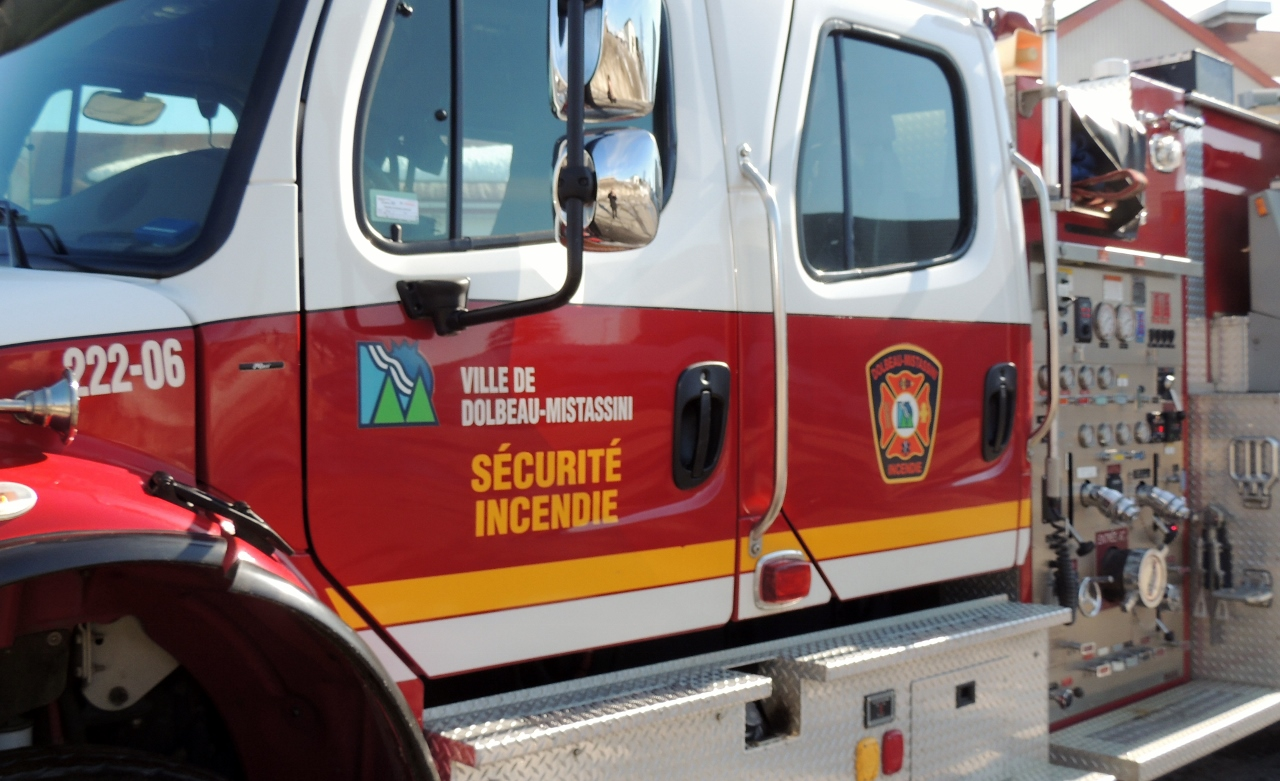 Les pompiers sauvent une dame de la noyade sur la Mistassini