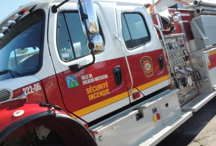 Incendie à Péribonka : deux personnes s'en tirent