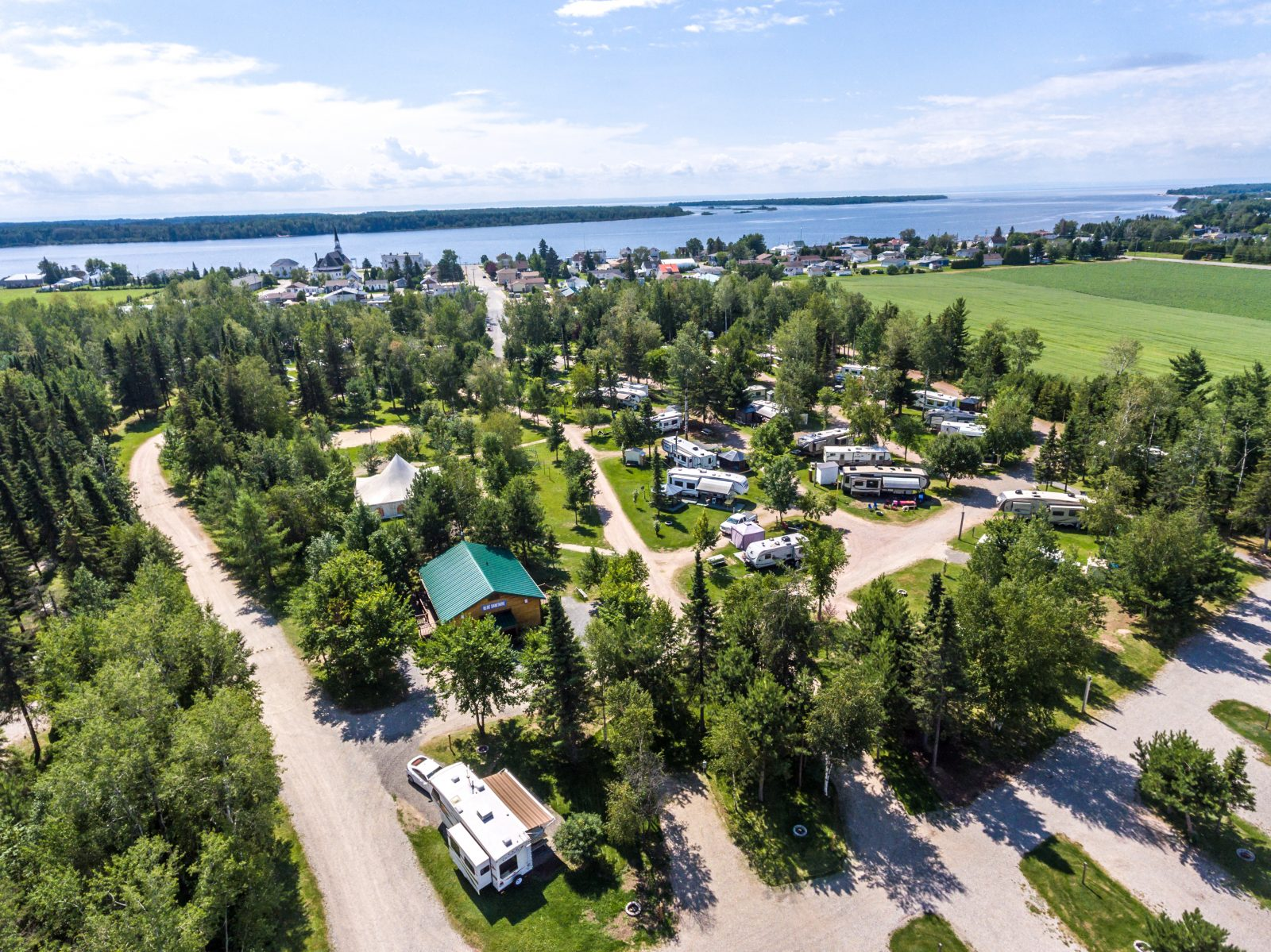 Péribonka et Chutes à l'Ours : les deux campings profitent du bel été