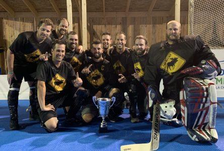 Une première saison de dek hockey réussie