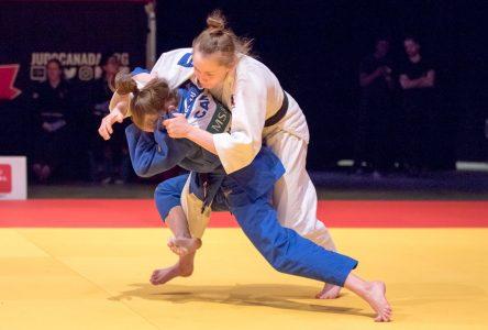 Marie Besson forcée d'accrocher son kimono en raison d'une blessure