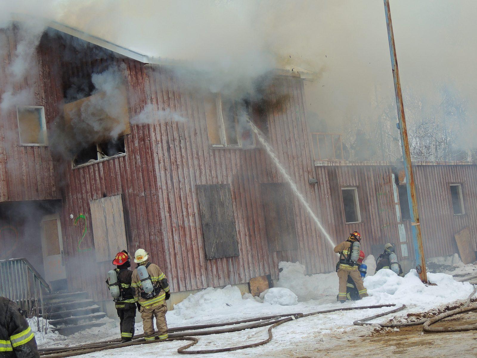 Équipements de pompier défectueux : Dolbeau-Mistassini entame un recours judiciaire