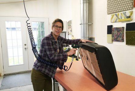Meg-Guy rembourre : « On redonne une deuxième vie aux vieux meubles »