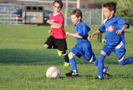 Le manque d'arbitres est récurrent au soccer mineur