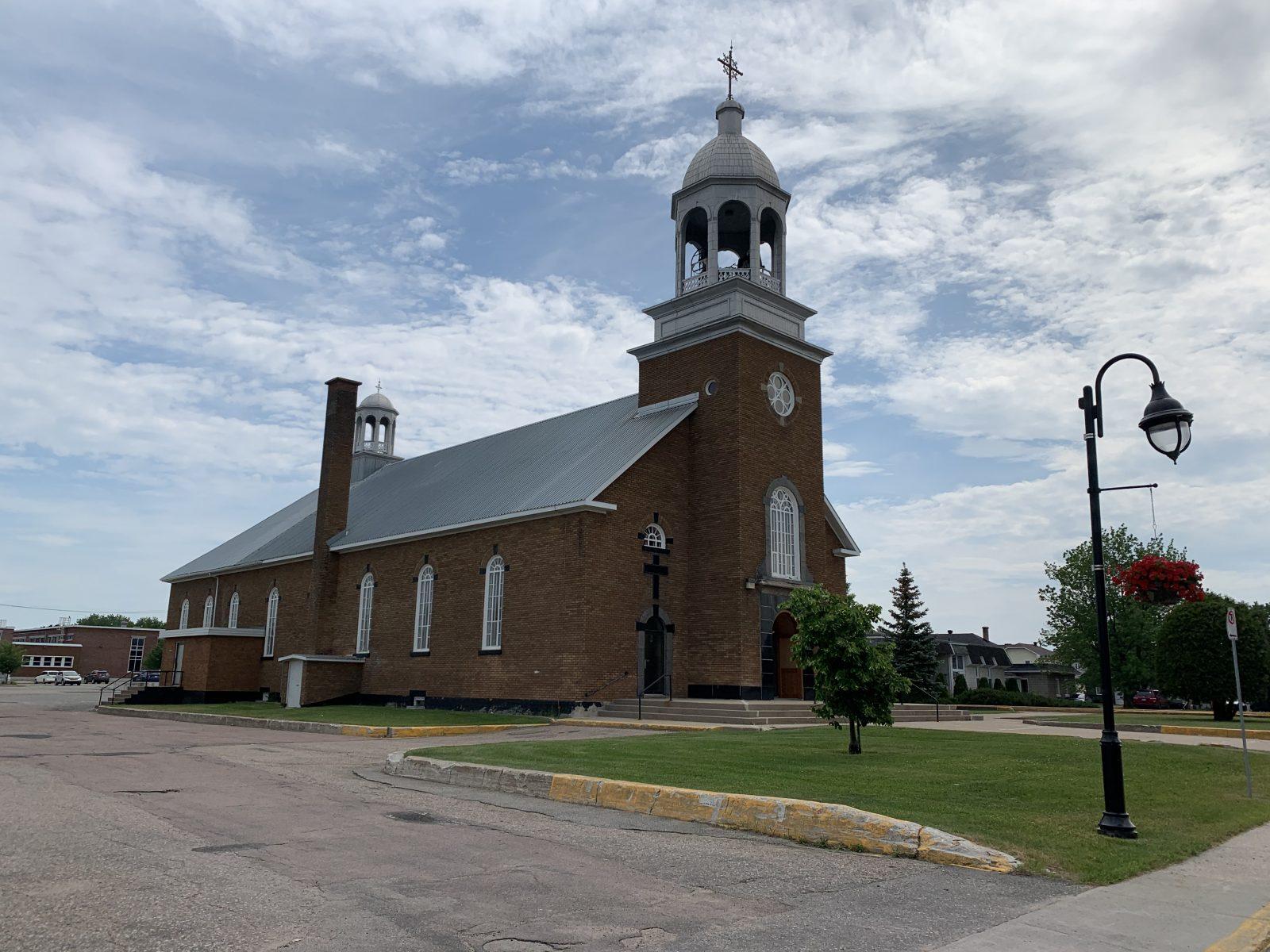 Réouverture des églises : oui aux funérailles, non aux messes du dimanche