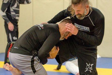 Éric Girard a trouvé sa voie: Un passionné des arts martiaux comme on en voit peu