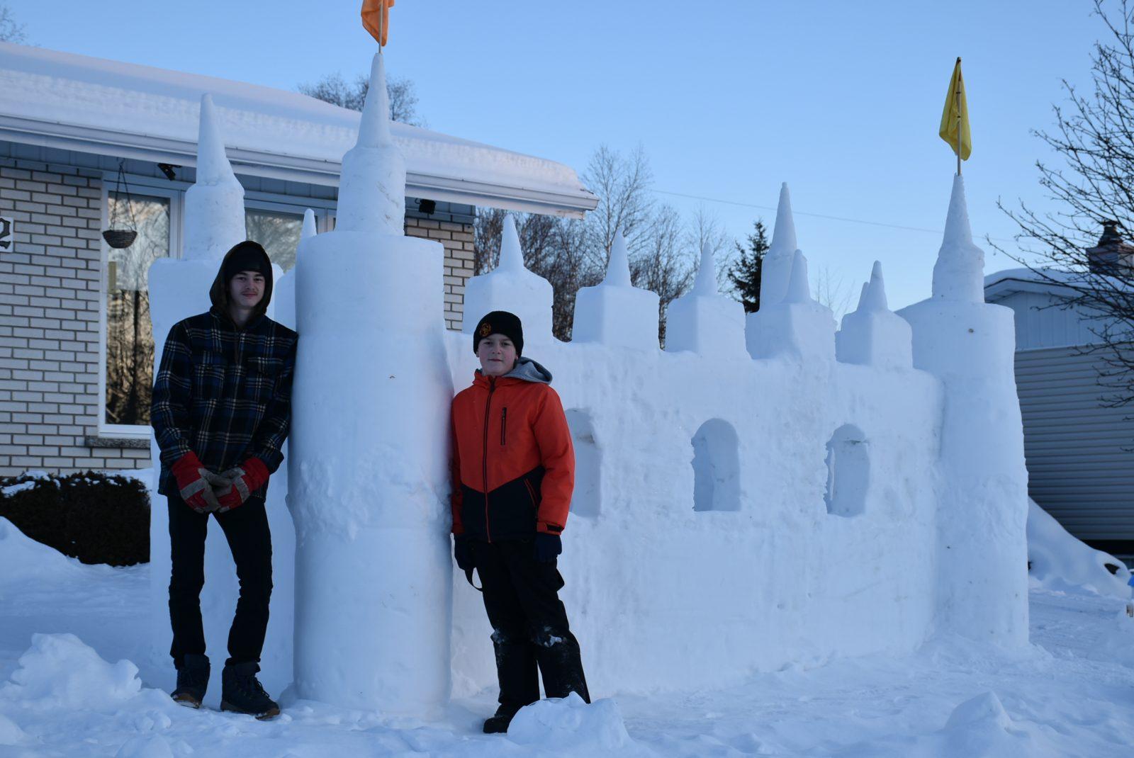 Un château de neige qui attire bien des regards