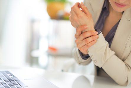 4 façons de soulager vos douleurs au poignet