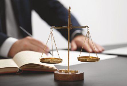 Quelles questions à poser à un avocat ?
