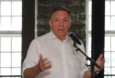 Secteur forestier: Legault veut protéger les emplois